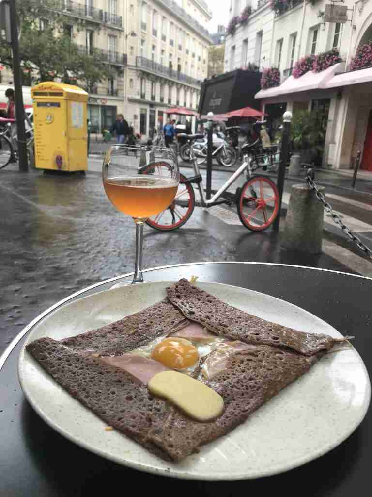 Un Dimanche á Paris: Slow Sundays in France