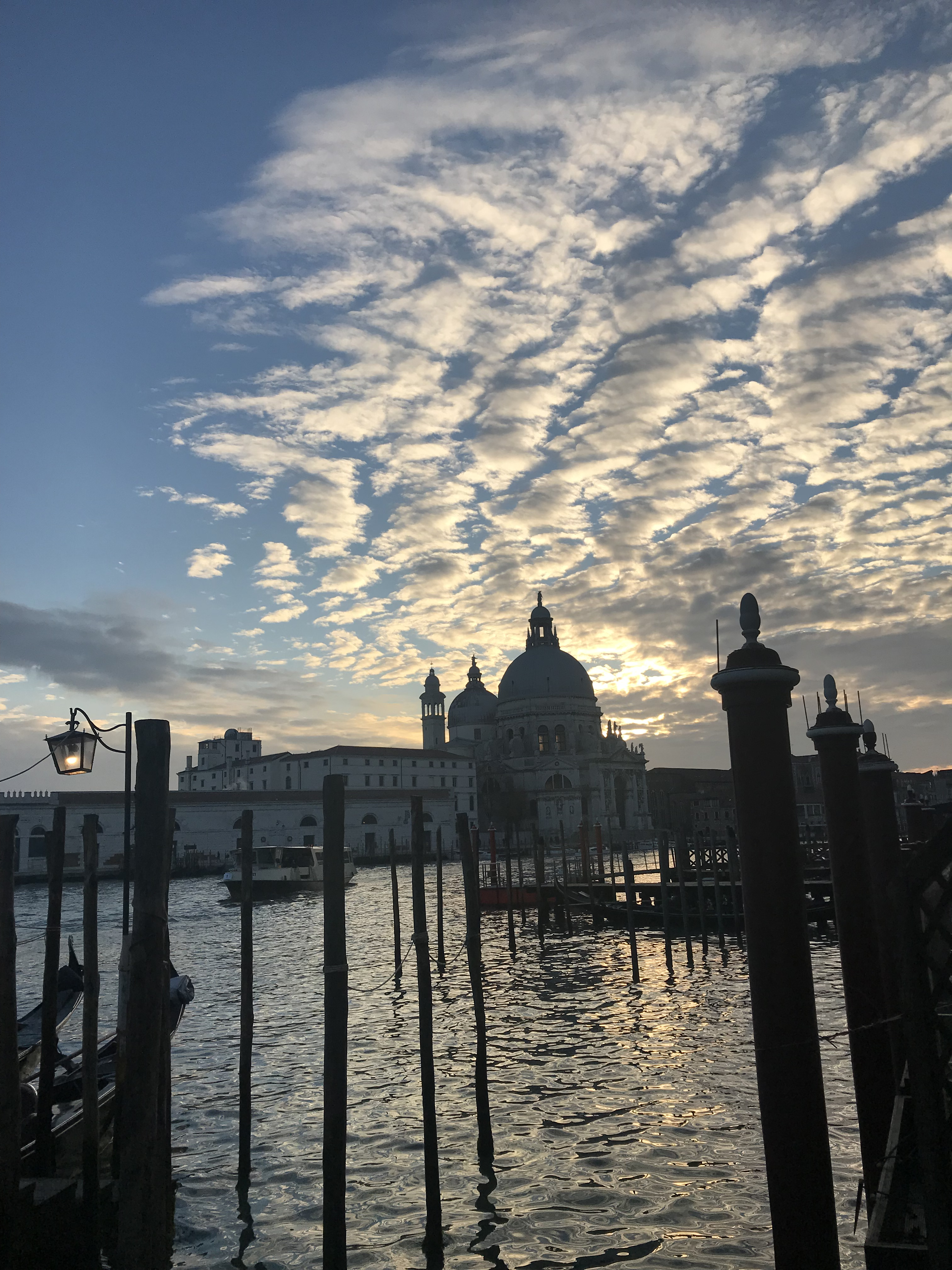 Traveling alone to Venice